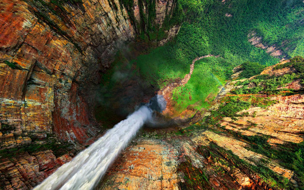 An Interactive 360° Aerial Panorama of the World's Highest Waterfall