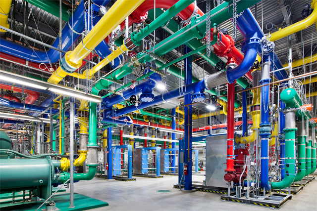 google server  GOOGLE OFFERS A GLIMPSE INSIDE ITS DATA CENTRES   GOOGLE OFFERS A GLIMPSE INSIDE ITS DATA CENTRES  google 3