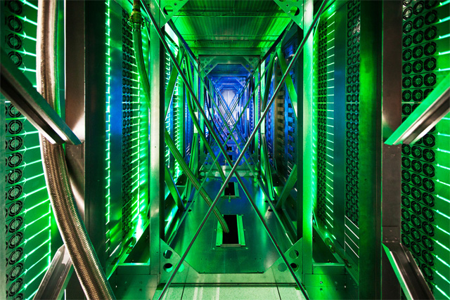 Where the Internet Lives: The First Ever Glimpse Inside Googles Data Centers Google architecture