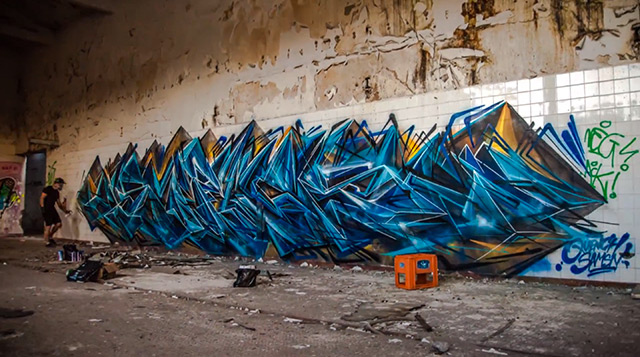 Amazing Graffiti Writing Time-lapse of Sofles in Melbourne