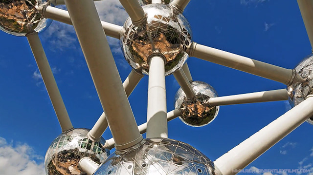 Atom Lapse: A Timelapse of André Waterkeyns Iconic Atomium Building timelapse Brussels atoms architecture