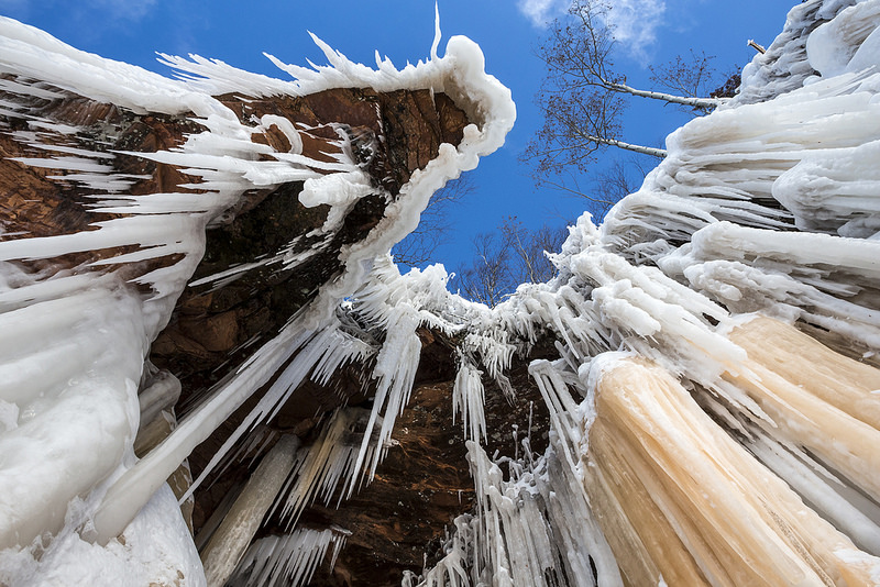 Record Temperatures Freeze a Path to the Spectacular Lake Superior Ice Caves Wisconsin Lake Superior is it spring yet ice caves