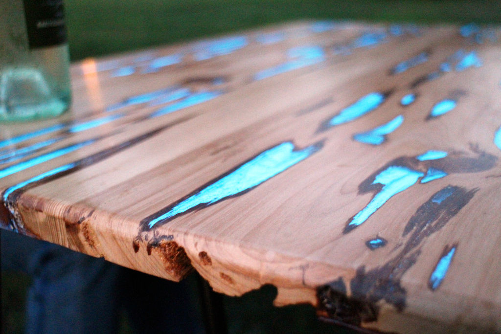 wood tables embedded with photoluminescent resin by mike warren colossal. Black Bedroom Furniture Sets. Home Design Ideas