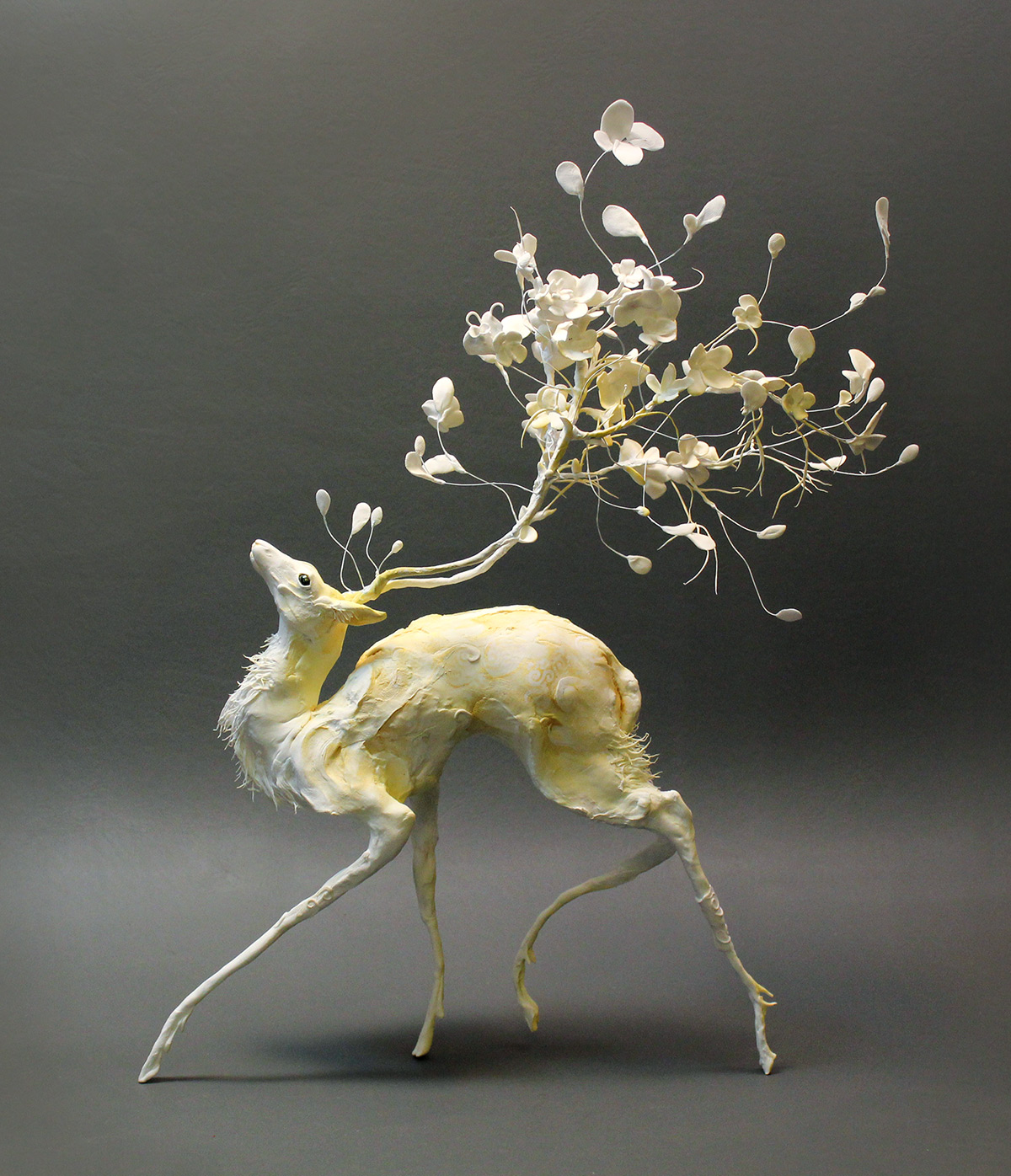 Surrealist Sculptures by Ellen Jewett Merge Plant and Animal Life | Colossal