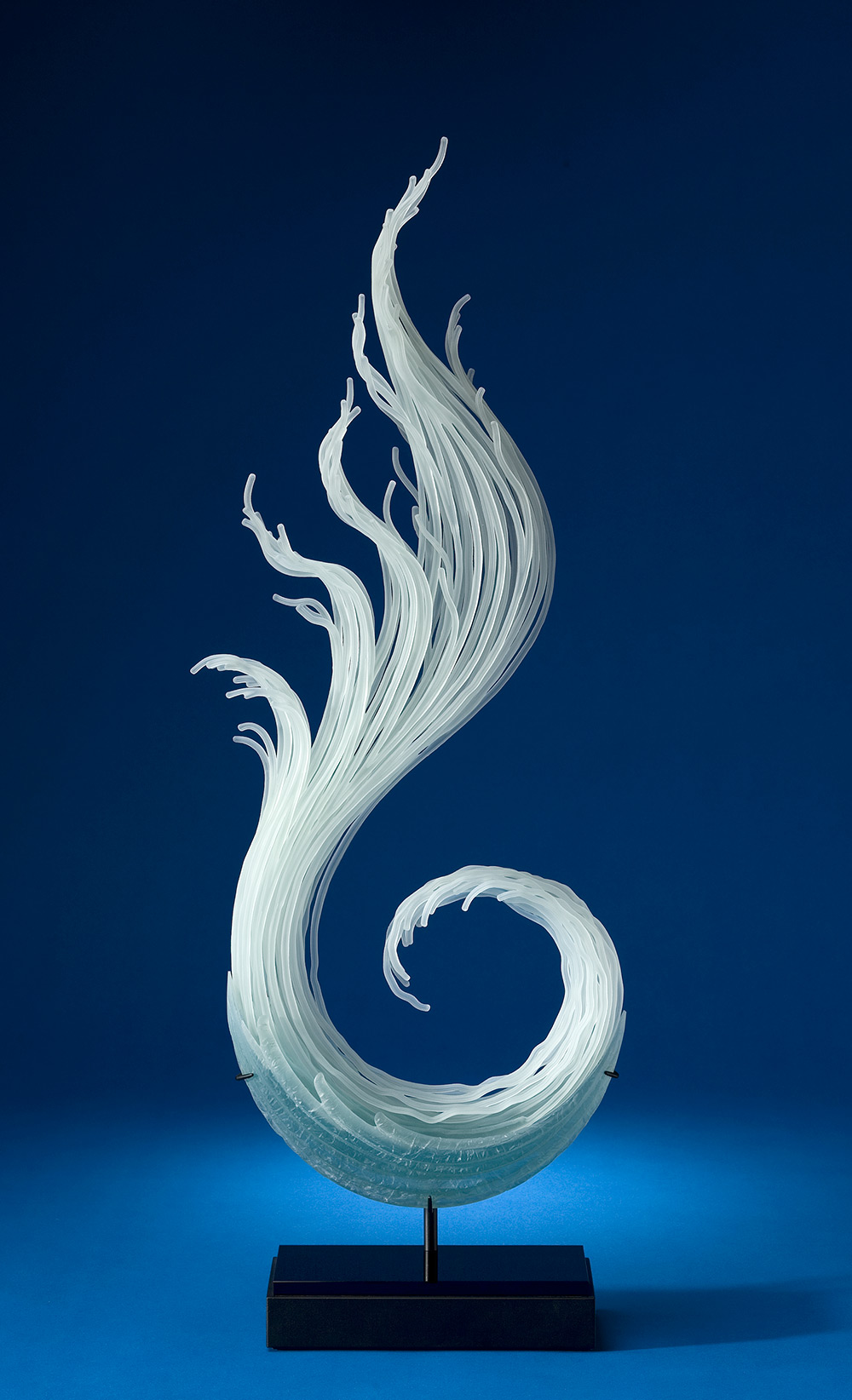 Layered Glass Sculptures Mimic the Everyday Drama of the Natural ...