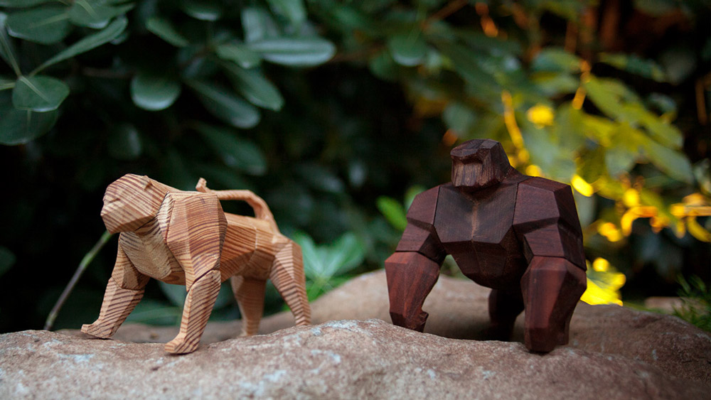 Colossal Geometric Wood Toys by Designer Mat Random Argentina-based toy designer Mat Random has designed a new geometric wood figure as a follow-up to his previous piece The Feline, another posable toy that he has named The Simian. Due to similarly placed joints for the animals' legs and head, parts...