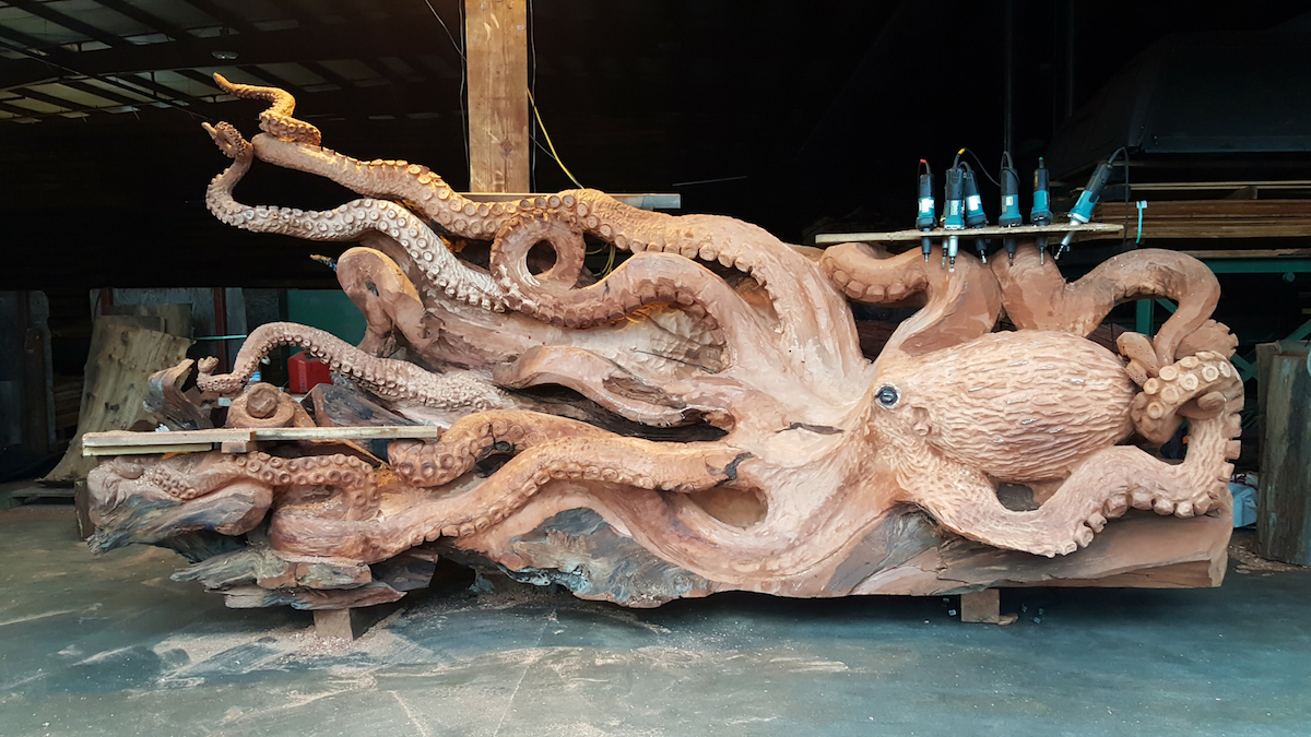 Woodworking Colossal - Self taught woodworker turning old skateboards awesome sculptures