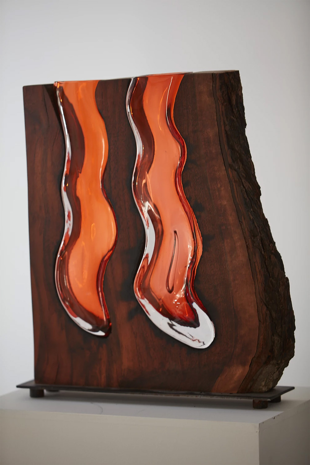 Glass Vases Formed Within Wooden Enclosures by Scott Slagerman Studio Artes & contextos slagerman 4