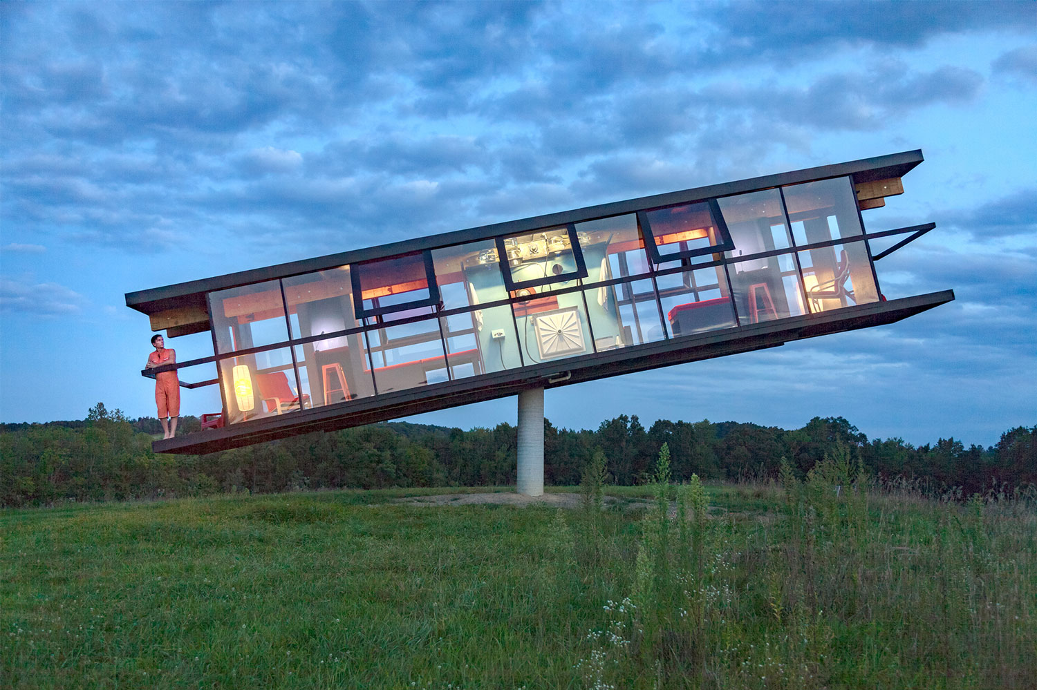 ReActor: a Tilting House That Shifts and Spins Based on its Inhabitants' Movements | Colossal