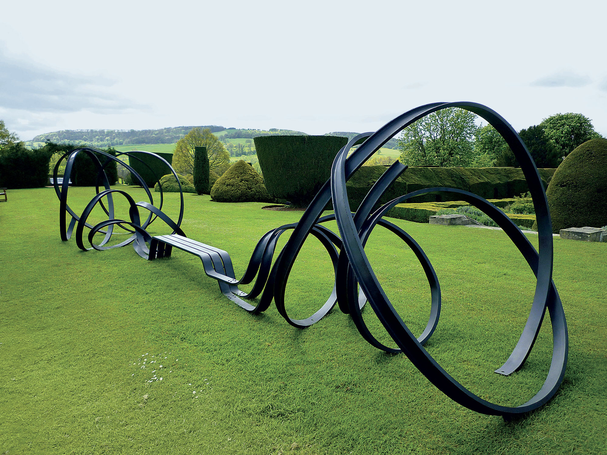 """Huge Sudely Bench"" (2010), Painted steel, h. 188 x l. 955 x w. 238 cm"