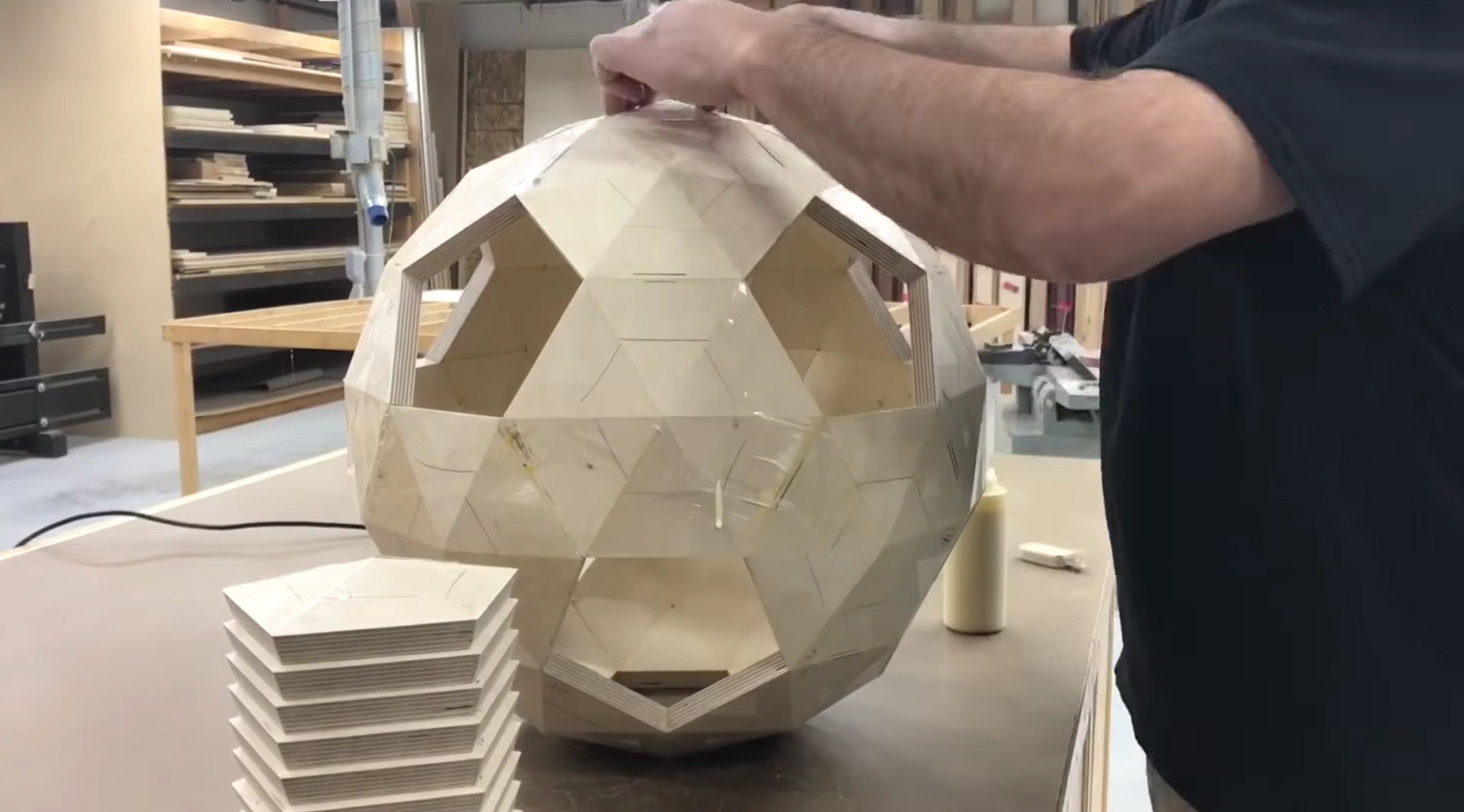 Time-Lapse Video of Woodworker Keith Williams Shows How Flat Plywood Boards Become Smooth Patterned Spheres