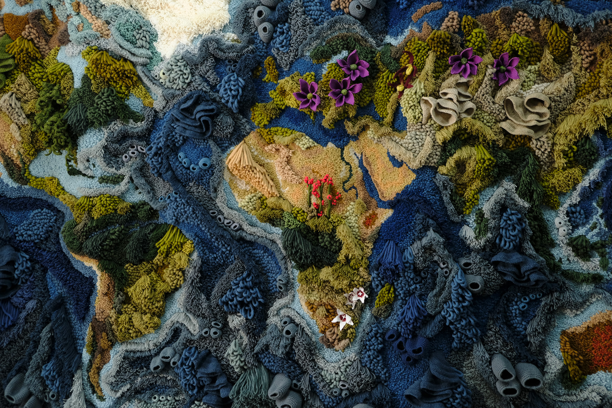 A 20 Foot-Wide Tapestry by Vanessa Barragão Recreates the World in Textural Yarn | Colossal