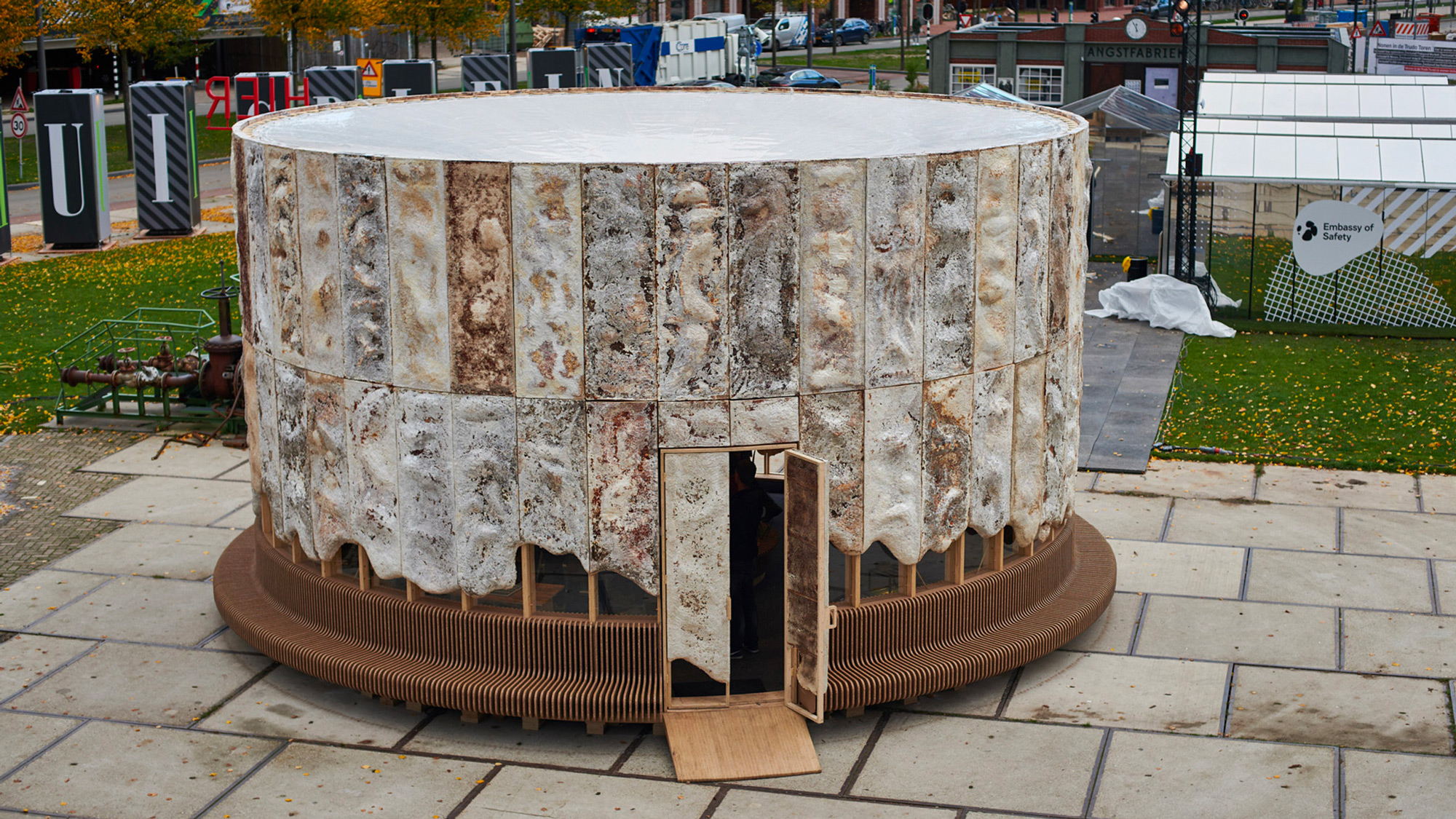 """Mushrooms, Cattail Reeds, and Agricultural Waste are Reimagined to Construct """"The Growing Pavilion"""""""