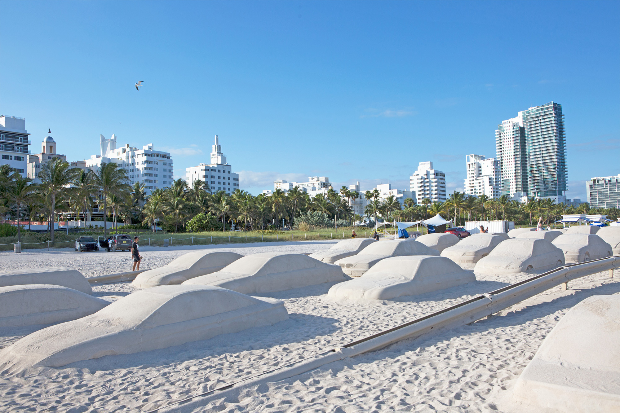 A Traffic Jam of Sand Cars by Leandro Erlich is Blocking Miami Beach | Colossal