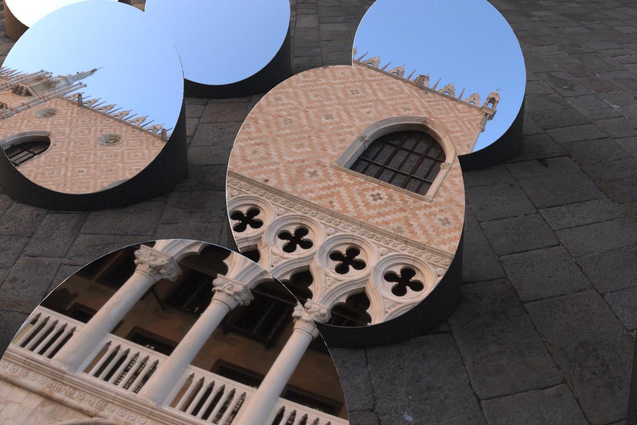 Swiveling Mirror Installation Skews Perspectives of Historic Venetian Architecture