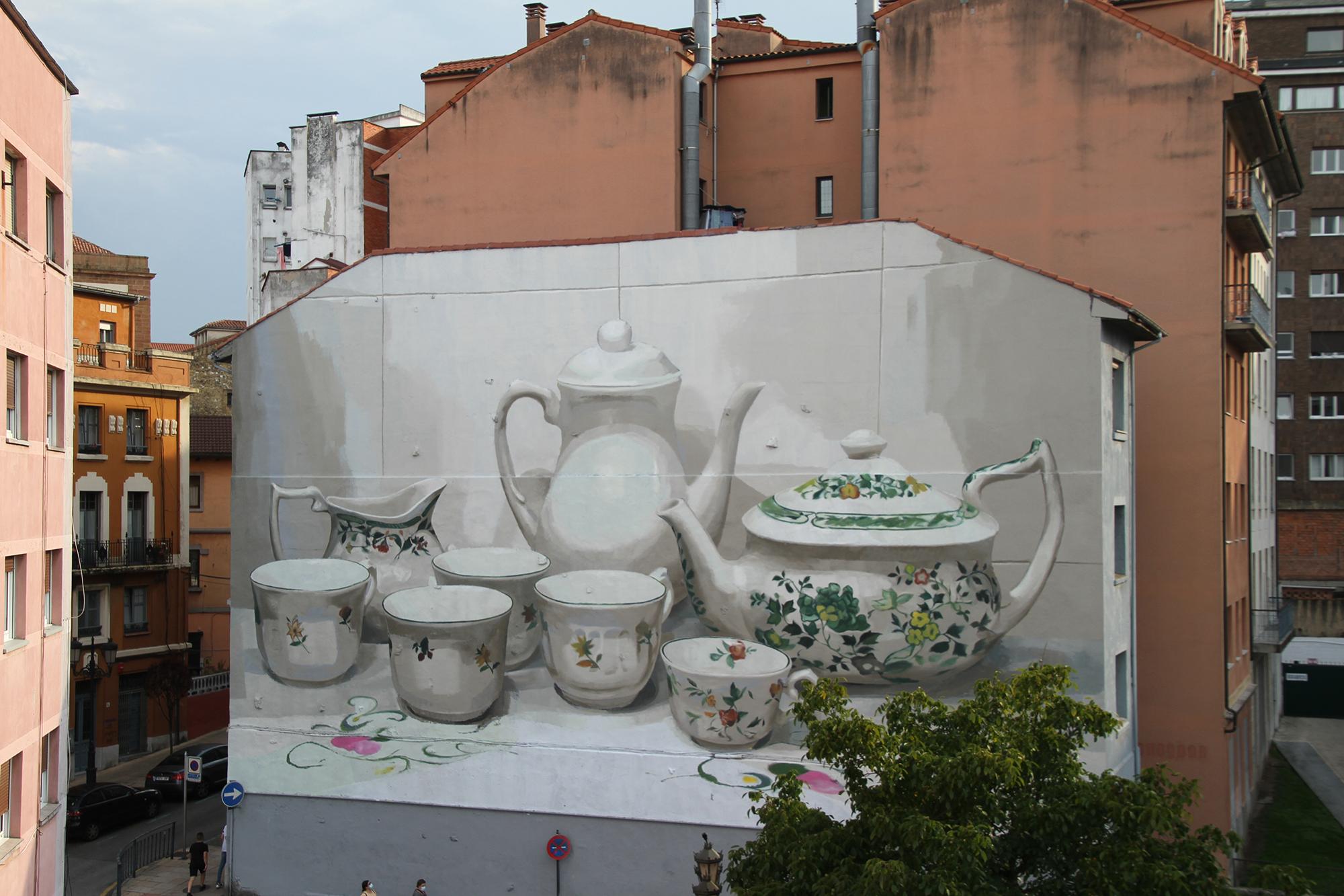 Multi-Story Murals Showcase Domesticity through Elegant Ceramic Tableware