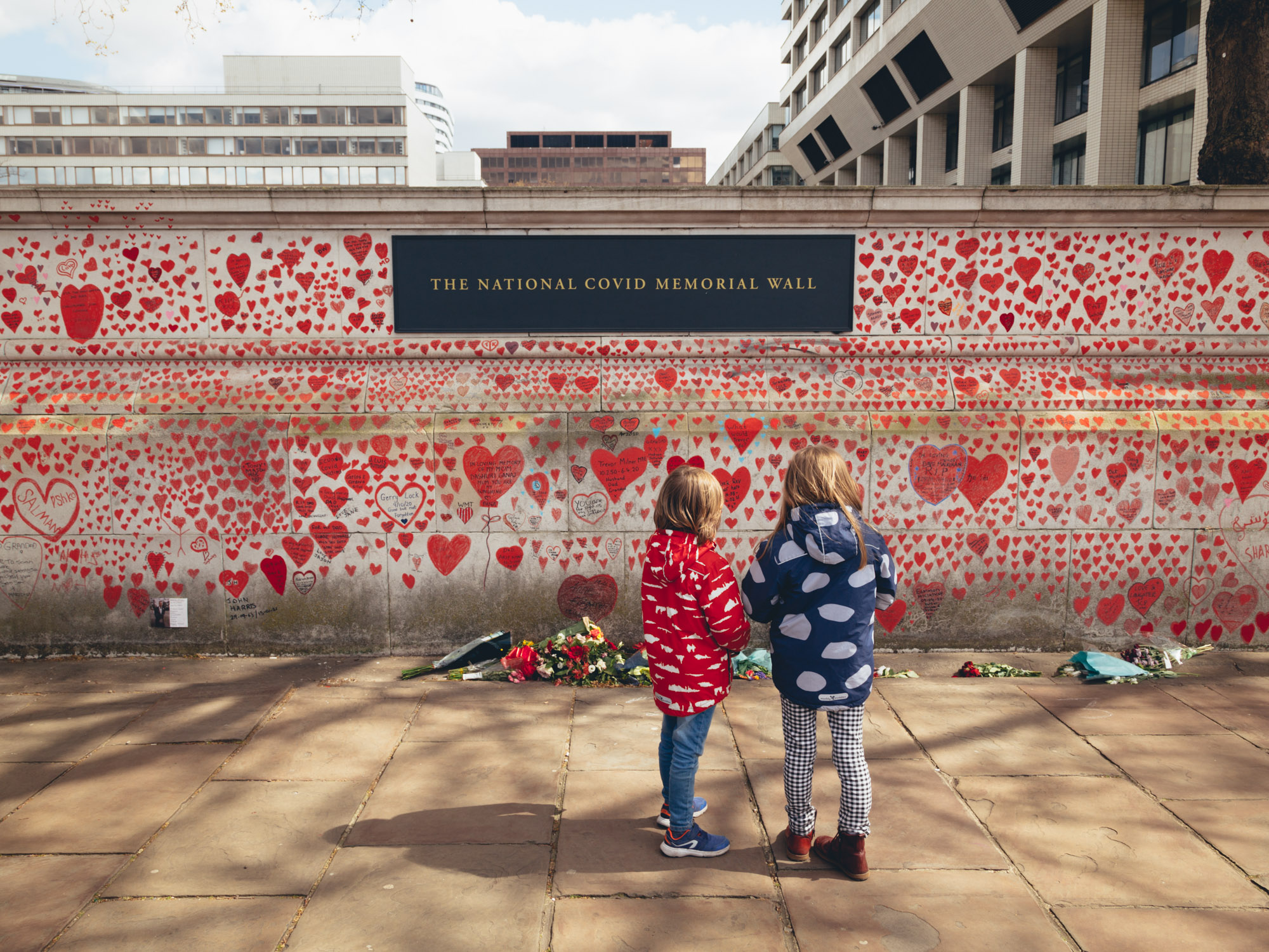 150,000 Hearts Representing Lives Lost to Coronavirus in the UK Line the COVID Memorial Wall in London