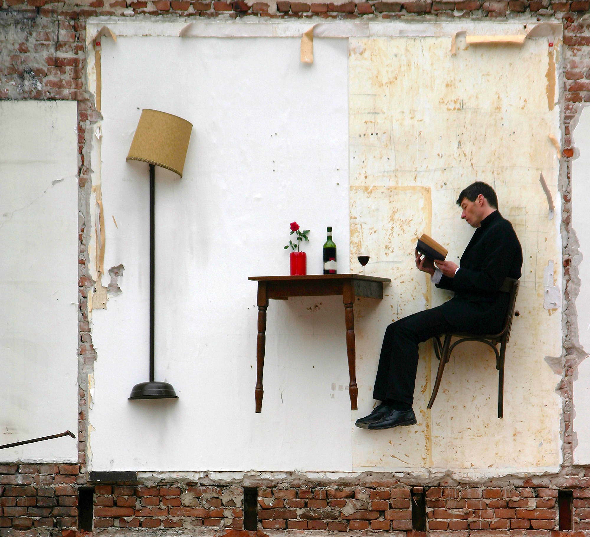 Artist Thierry Mandon Lives in Suspended Domestic Scenes Within the Ghost Rooms of Severed Buildings