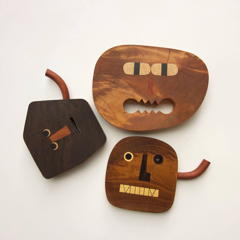 I nuovi personaggi fantasiosi in legno intagliato di Yen Jui-Lin